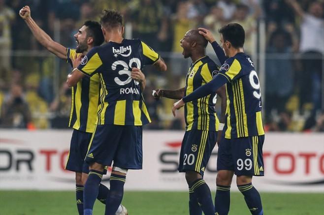 Fenerbahçe Avrupa'da Şahin, Türkiye'de Serçe