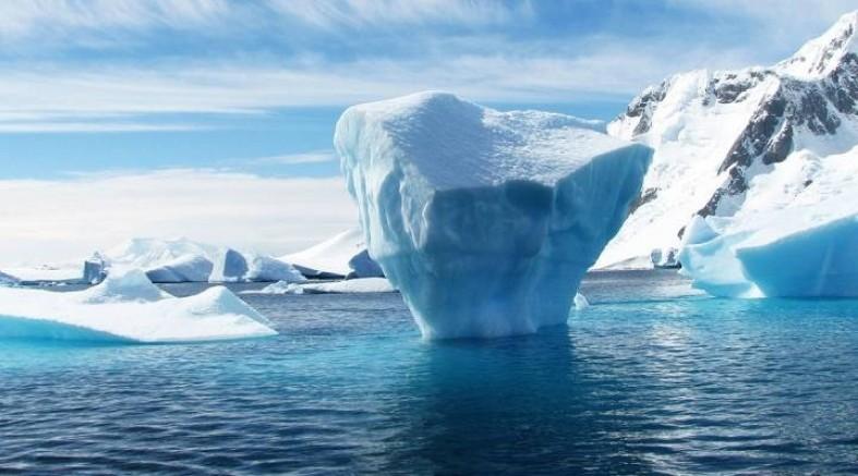 Grönland Eriyor