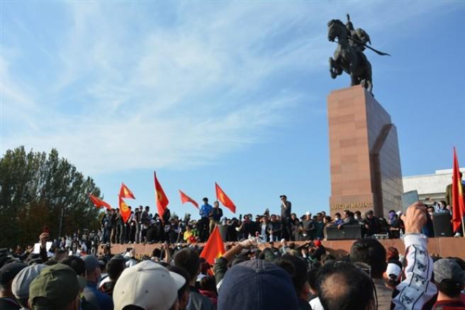 Kırgızistan'da Demokrasi Oyunu  Bitiyor