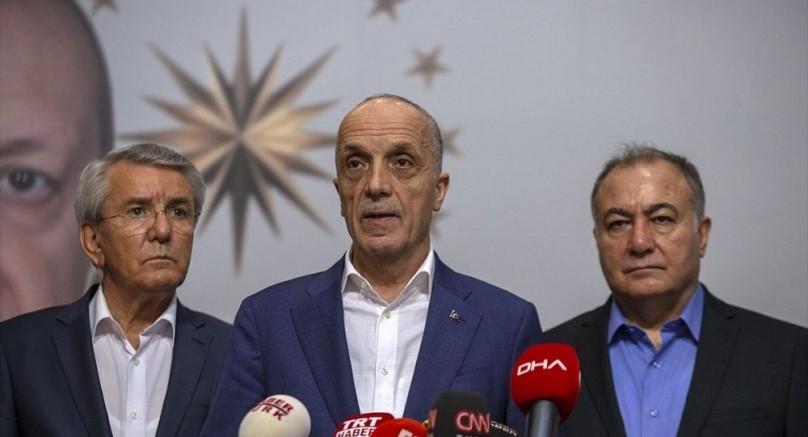 Sendikacı ve Aydınlardan Türk-İş Yönetimine İstifa Çağrısı
