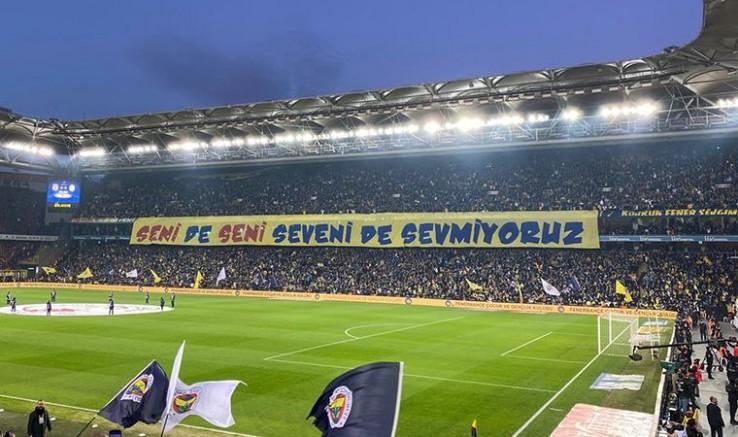 Ülker Arena'da İlginç Pankart