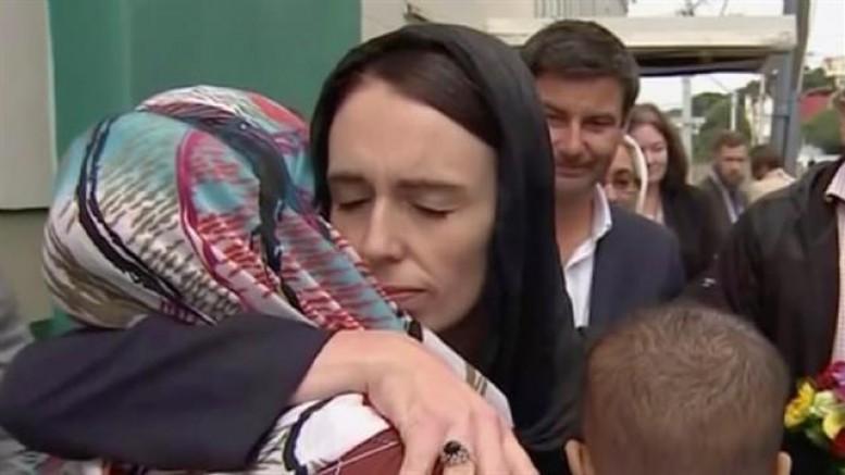 Yeni Zelanda Başbakanı İnsanlık Dersi Verdi